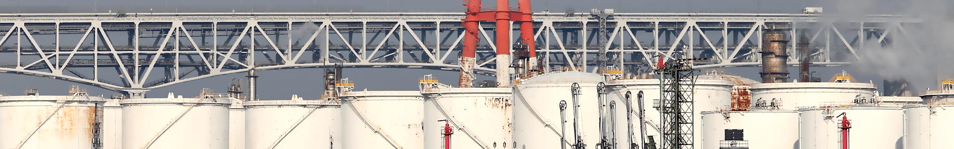 石油プラント画像