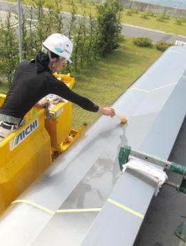 プラント施設エントランス塗装工事の画像